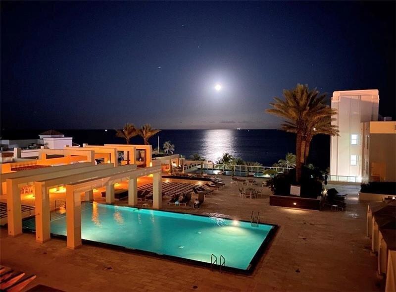 Las Olas Beach Club Pool